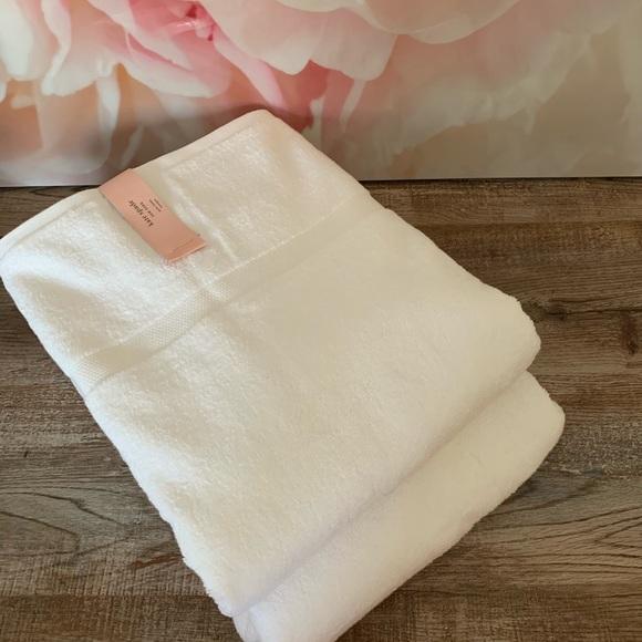 NWT Kate Spade 2 White Bath Towels
